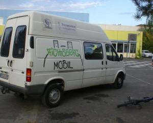 Das Richtsbergmobil vor der Richtsberg-Gesamtschule